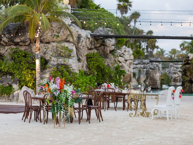 Kyle and Crystal's Wedding in Playa del Carmen, Mexico 59