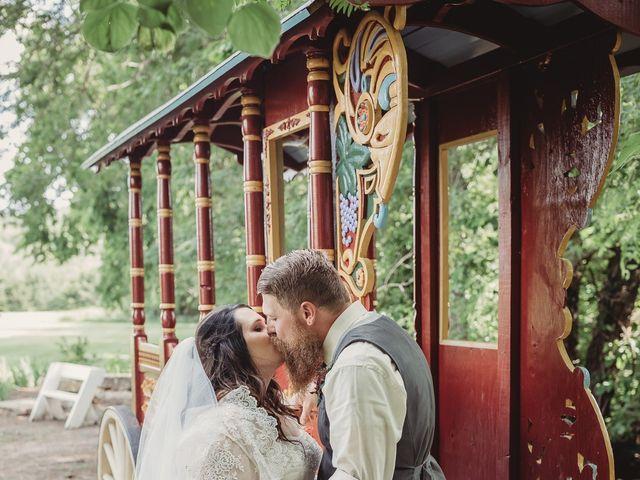 Kaylyn and Martin's Wedding in Baldwin City, Kansas 12