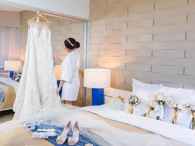 Iliana and Emmanuel's Wedding in Toa Baja, Puerto Rico 12