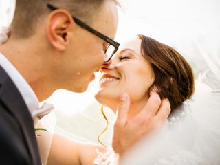 Tanner and Alyssa's Wedding in Seattle, Washington 9