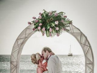 Matti and Charlotte's Wedding in Oranjestad, Aruba 8