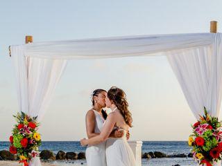 Debra and Andrea's Wedding in Oranjestad, Aruba 4