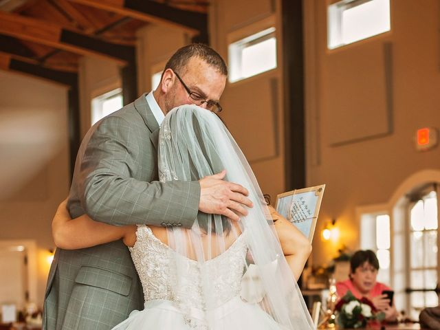 Justin and Taylor's Wedding in Stillwater, Oklahoma 9