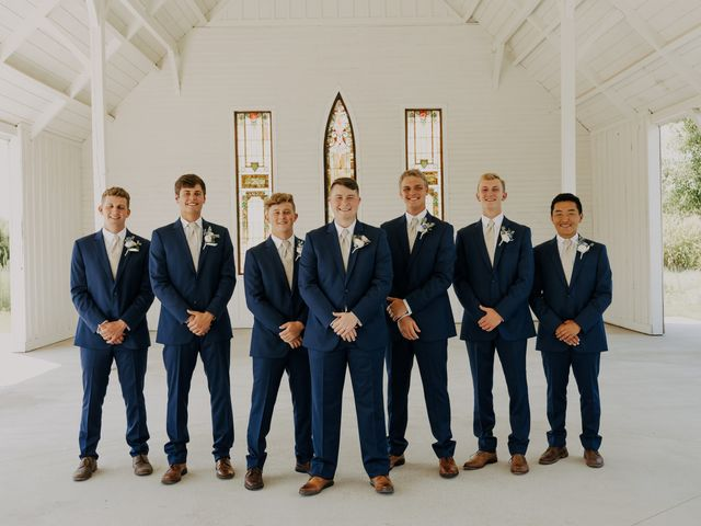 Madison and Grant's Wedding in Wichita, Kansas 9