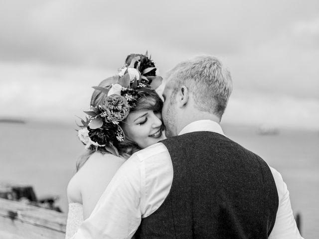 Zak and Ellen's Wedding in Astoria, Oregon 31