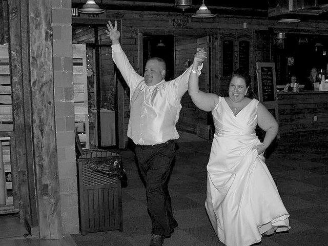 Catherine and Christopher's Wedding in Waseca, Minnesota 4