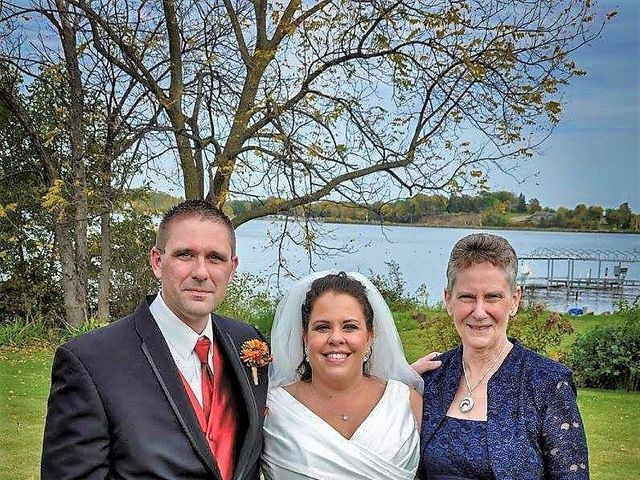 Catherine and Christopher's Wedding in Waseca, Minnesota 6