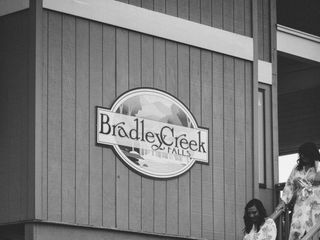 Bradley Creek Falls Lodge and Events Center 3