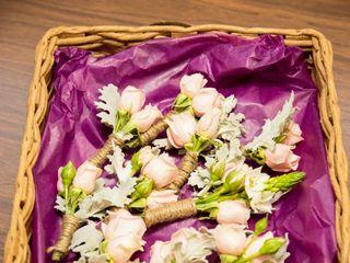 Easily Arranged Floral Design 7