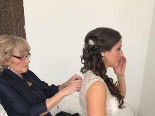 Bridal HairStylist - Theodora Bourikas 1