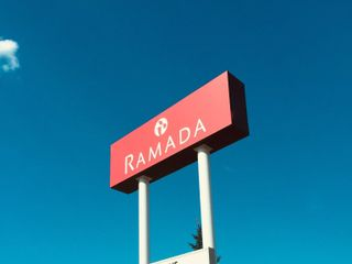 Ramada Bismarck Hotel 5