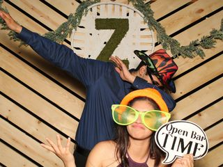 Smiley Photo Booths 4