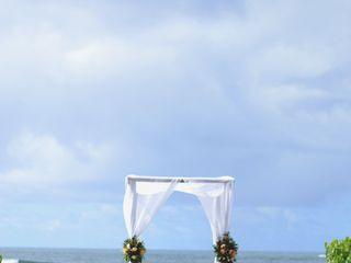 A Rainbow in Paradise Weddings 5