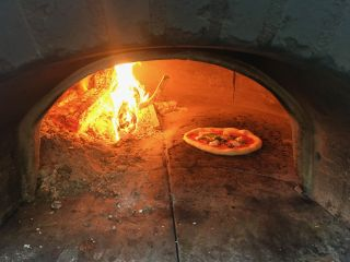Olive Wood Pizza 5