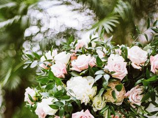 Lulu's Lei + Bouquets 7