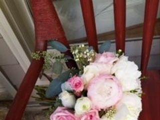 Mott's Floral Design 3