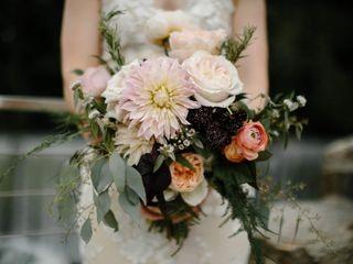 Viridescent Floral Design 5