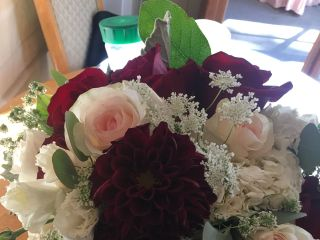Diane's Flowers Please 2