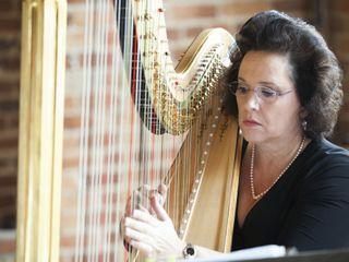Laura Byrne Harpist 3