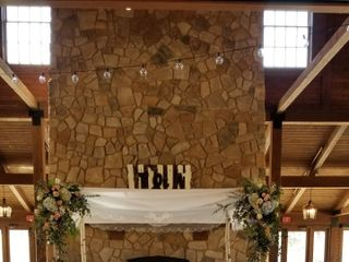 The Pavilion at Orchard Ridge Farms - Exclusive Catering by Henrici's 3