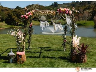 Willow & Plum Event Floral and Decor 7