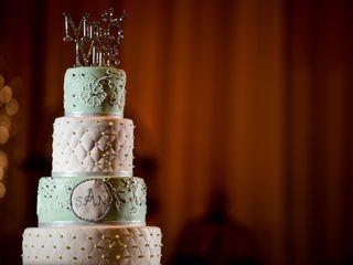 Raksha's Custom Cakes 1