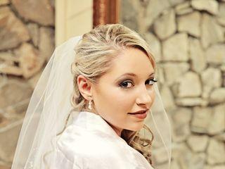 Ari.makeupartist 5