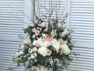 Michael Designs Florist 1