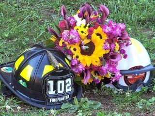 Dee's Florals 3