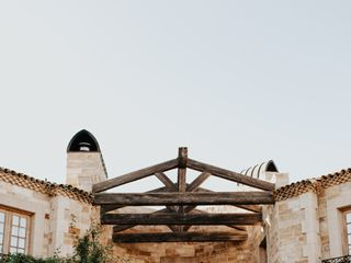 Sunstone Winery & Villa 3