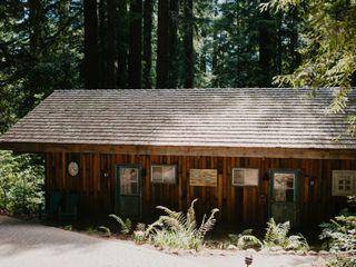 Waterfall Lodge & Retreat 1