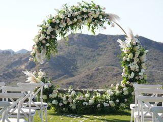 Lori's Flowers - Weddings & Events 3