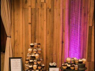 NoRA Cupcake Company 5