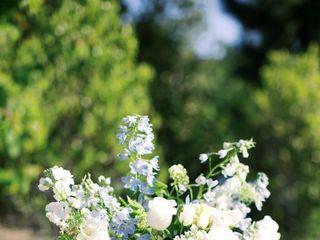 Leafy Floral Design 3