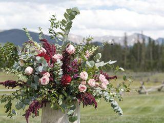 Statice Floral Design 1