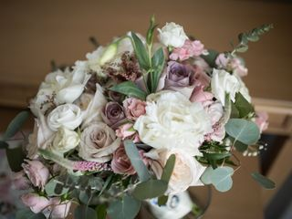 Natinel Flowers, Linens and Invitations 2