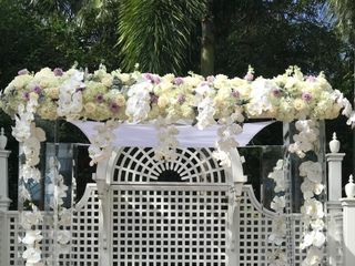 ArcDivine.com :: Miami Acrylic Chuppah Wedding Canopy Arch Rental Plastic Clear Glass 1