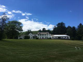 Fontainebleau Inn 5