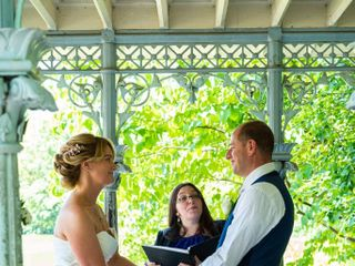 Lucie Lucerino, Ordained Wedding Officiant 3