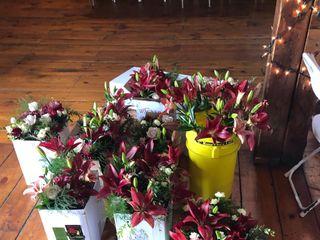 Arnold's Flower Shop 3
