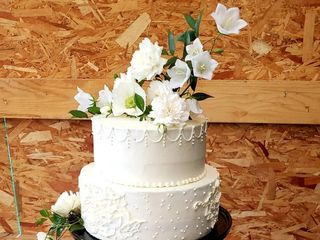 Custom Cakes 2
