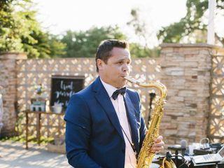 Andre Liesnyi, Saxophonist & DJ 1
