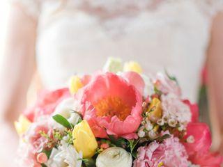Laura's Flower Boutique 5