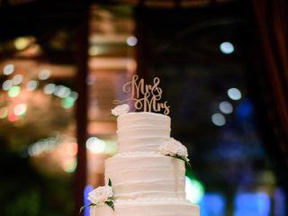 Weddings by Linda's Florist 4