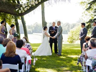Meaningful Personalized Wedding Ceremonies with Officiant and Coordinator 4