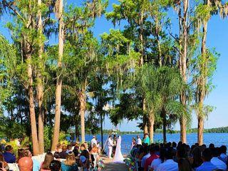 J. CLOSS Events and Weddings 4