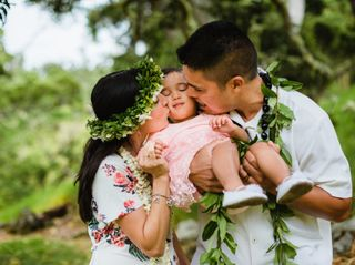 Hawaiian Style Beach Weddings with ALOHA 5