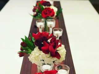 Lace & Ivory Floral Design 1