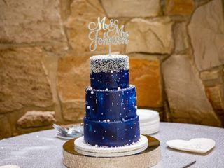 LaLa Custom Cake 4