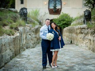 Hand Heart and Crown Weddings 4